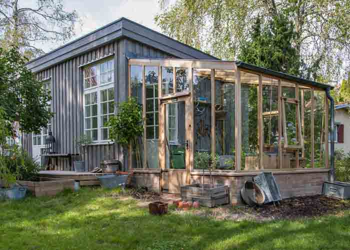 Bespoke Lean-to Cedar Greenhouse